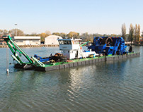 "Dredge ""Guidotti 1"" – Hull made of 15 modular,different size pontoons"